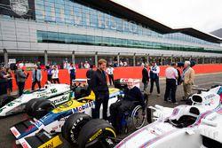 Sir Frank Williams, Nico Rosberg admiring a Williams FW08, FW11 and a Williams FW40