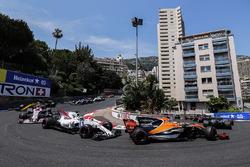Льюіс Хемілтон, Mercedes AMG F1 W08, Стоффель Вандорн, McLaren MCL32, Феліпе Масса, Williams FW40, Естебан Окон, Sahara Force India F1 VJM10