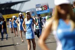 Grid girl de Tiago Monteiro, Honda Racing Team JAS, Honda Civic WTCC