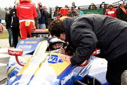 Sieger Alexander Rossi, Curb Herta - Andretti Autosport Honda, feiert mit Tesambesitzer Michael Andr