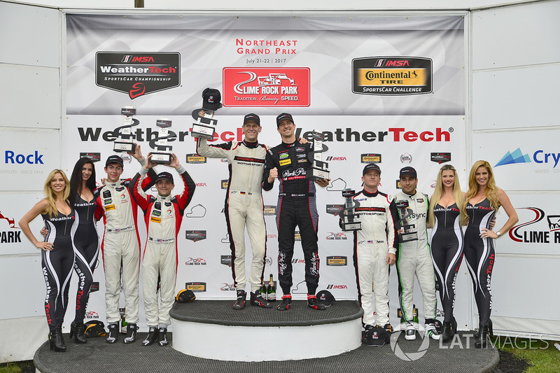 GTD Podio: ganador carrera Patrick Lindsey, Jörg Bergmeister, Park Place Motorsports, segundo lugar
