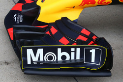 Red Bull RB13, ala anteriore
