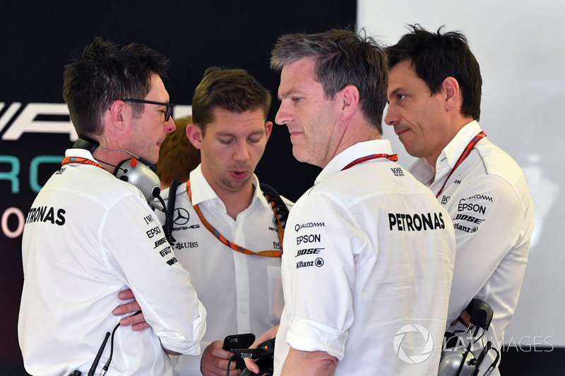 Andy Shovlin, Mercedes AMG F1 W08 Mühendisi, James Allison, Mercedes AMG F1 W08 Teknik Direktörü ve Toto Wolff, Mercedes AMG F1 Direktörü