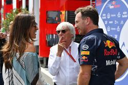 Bernie Ecclestone y su esposa Fabiana Ecclestone, con Christian Horner, director del equipo Red Bull