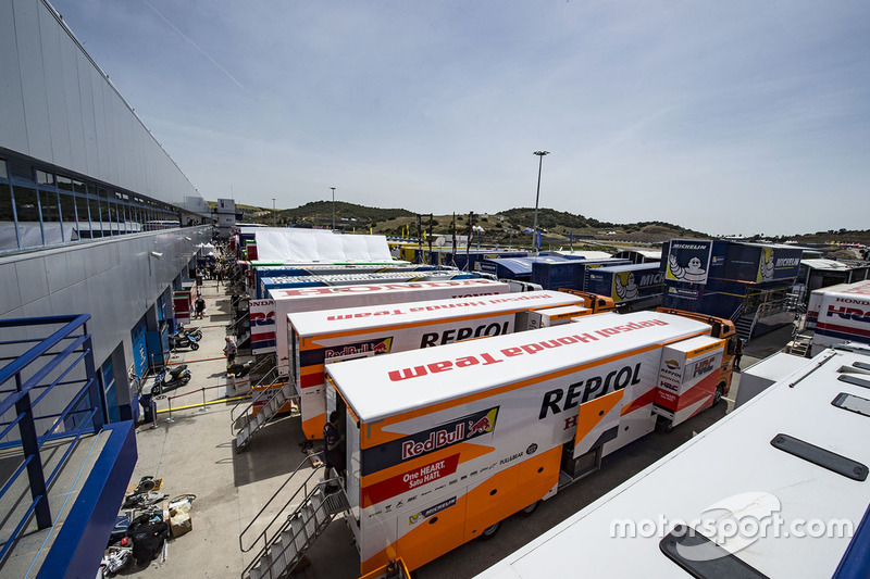 Паддок MotoGP в Хересе