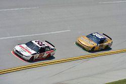 Joey Logano, Team Penske Ford, Kasey Kahne, JR Motorsports Chevrolet