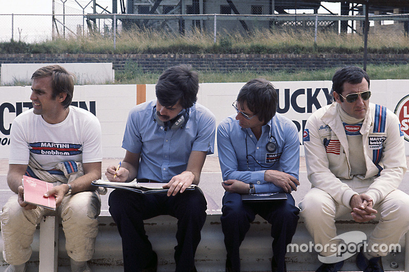 Bernie Ecclestone, Brabham team owner with Gordon Murray, Carlos Reutemann and Carlos Pace