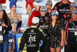 1. Ben Rhodes, ThorSport Racing Toyota, mit Grant Enfinger, ThorSport Racing Toyota
