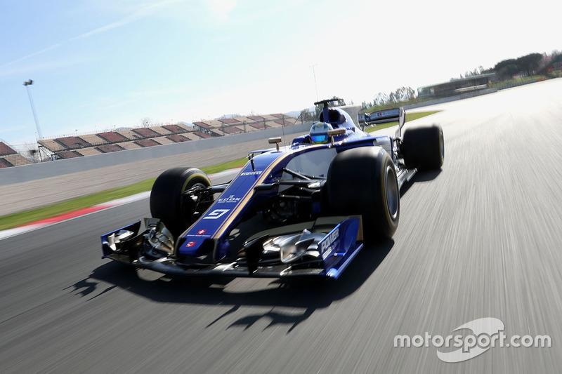 马库斯·埃里克森驾驶索伯C36赛车