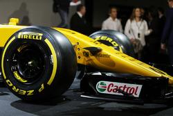 Renault Sport F1 Team RS17 - Pirelli-band en detail voorvleugel