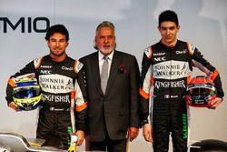 Sergio Perez, Sahara Force India F1 con Dr. Vijay Mallya, dueño del equipo Sahara Force India F1 y E