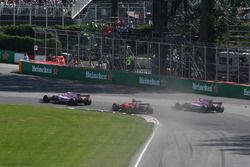 Sergio Pérez, Sahara Force India VJM10, Esteban Ocon, Sahara Force India VJM10 y Sebastian Vettel, F