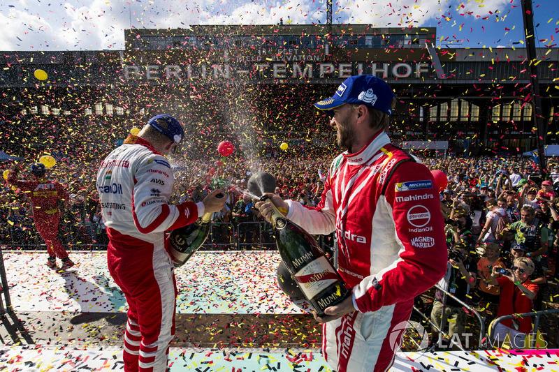 3. Nick Heidfeld, Mahindra Racing y Felix Rosenqvist, Mahindra Racing en el podio