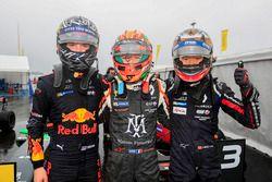 Yarış galibi Sacha Fenestraz, Josef Kaufmann Racing, 2. Dan Ticktum, Arden Motosport, 3. Yifei Ye,