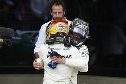 Race winner Lewis Hamilton, Mercedes AMG F1, celebrates in Parc Ferme, Valtteri Bottas, Mercedes AMG F1 W08