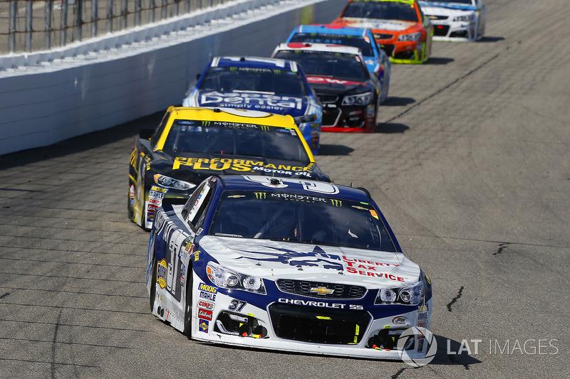 Chris Buescher, JTG Daugherty Racing Chevrolet, Trevor Bayne, Roush Fenway Racing Ford
