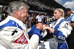 Popstar Lady Gaga und Motorsportlegende Mario Andretti