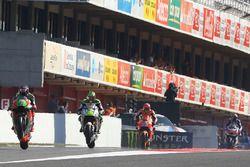 Stefan Bradl, Aprilia Racing Team Gresini; Cal Crutchlow, Team LCR Honda