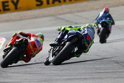 Andrea Iannone, Ducati Team; Valentino Rossi, Yamaha Factory Racing
