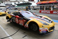 #50 Larbre Competition Chevrolet Corvette C7-R: Yutaka Yamagishi, Pierre Ragues