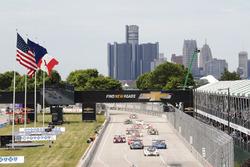 #5 Action Express Racing Corvette DP: Joao Barbosa, Christian Fittipaldi, en tête lors du départ