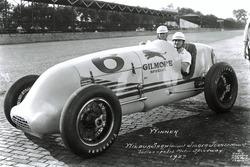 Race winner Wilbur Shaw