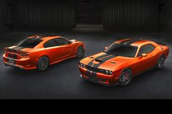 Dodge Charger SRT en Challenger SRT version Go Mango