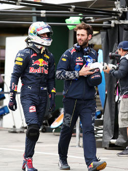 Daniel Ricciardo, Red Bull Racing avec Sam Village, entraîneur personnel Red Bull Racing