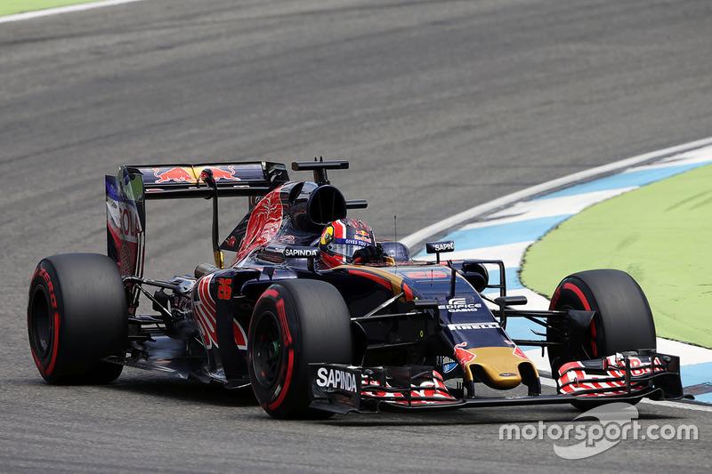 15. Daniil Kvyat, Scuderia Toro Rosso STR11