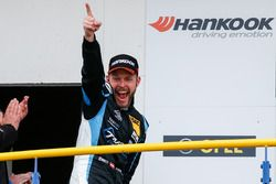 Podium: Jürgen Schmarl, Target Competition, SEAT Leon Cup Racer