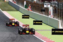 Daniel Ricciardo, Red Bull Racing devant Max Verstappen, Red Bull Racing