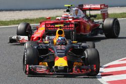 Max Verstappen, Red Bull Racing RB12 leads Kimi Raikkonen, Ferrari SF16-H