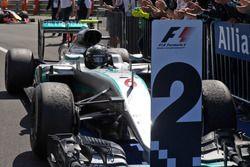 Nico Rosberg, Mercedes AMG F1 W07 Hybrid en el parc ferme