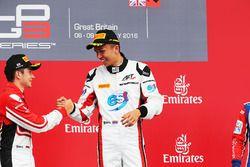 Podium: Sieger Alexander Albon, ART Grand Prix; 2. Charles Leclerc, ART Grand Prix