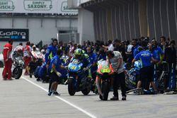 Aleix Espargaró, intercambio de bicicletas del equipo Suzuki MotoGP
