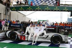 Переможці - #2 Porsche Team Porsche 919 Hybrid: Romain Dumas, Ромен Дюма, Ніл Яні, Марк Ліб
