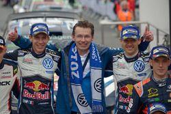 Dr. Frank Welsch; Julien Ingrassia; Sébastien Ogier, Volkswagen Motorsport; Thierry Neuville, Hyunda