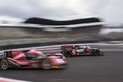 #7 Audi Sport Team Joest Audi R18: Marcel Fässler, Andre Lotterer y #13 Rebellion Racing Rebellion R