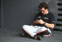 #33 Belgian Audi Club Team WRT, Audi R8 LMS GT3: Enzo Ide
