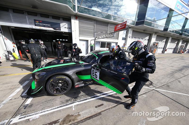 #86 HTP Motorsport Mercedes AMG GT3: Jules Szymkoviak, Bernd Schneider