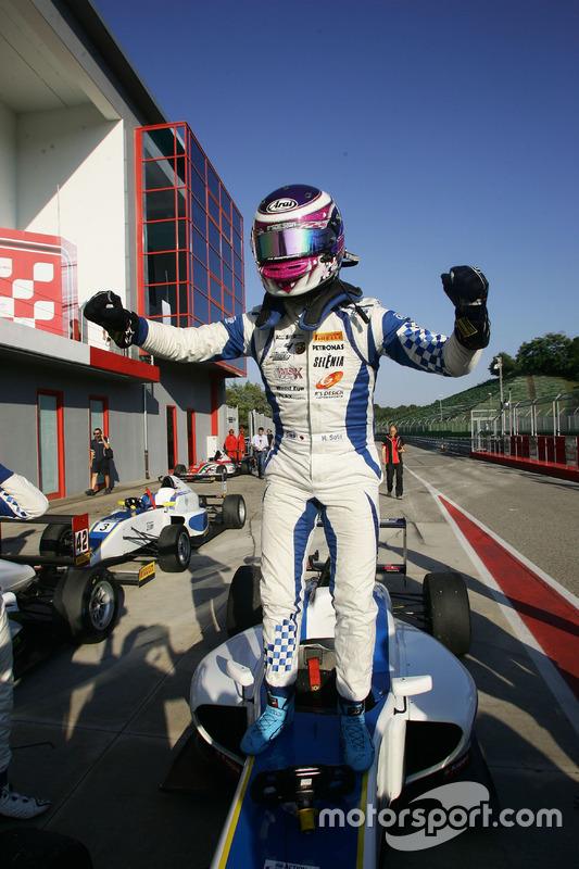 Race 3 winner Marino Sato, Vincenzo Sospiri Racing