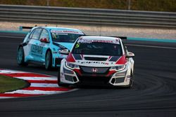 Roberto Colciago, Honda Civic TCR, Target Competition and Stefano Comini, Volkswagen Golf GTI TCR, Leopard Racing