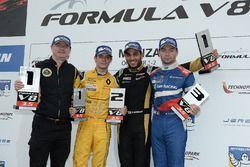 Podyum: 1. Roy Nissany, Lotus, 2. Louis Deletraz, Fortec Motorsports, 3. Matthieu Vaxiviere, SMP Rac