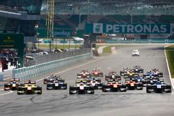 İkinci GP2 yarışının startı