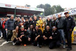 Salvador Tineo Arroyo met zijn team