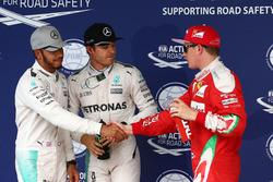 Clasificación top tres en parc ferme: segundo lugar Lewis Hamilton, Mercedes AMG F1; Polesitter Nico