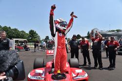 Sieger Zach Veach, Belardi Auto Racing
