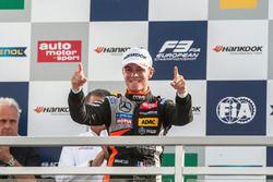 Podio: Anthoine Hubert, Van Amersfoort Racing Dallara F312 - Mercedes-Benz