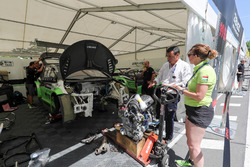 Engine change at the car of Ferenc Ficza, Honda Team Zengo, Honda Civic WTCC