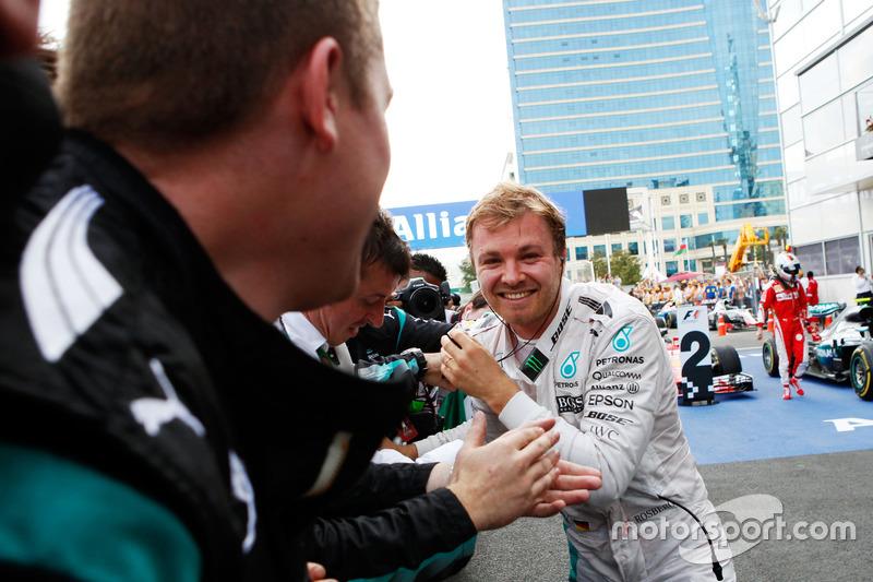 Ganador, Nico Rosberg, Mercedes AMG F1 celebra